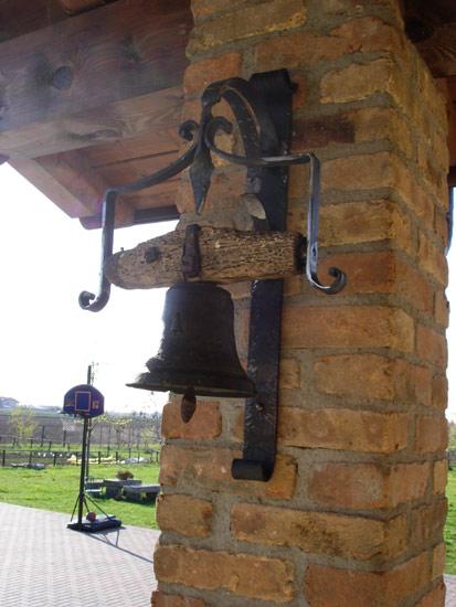 Porta campanella in ferro battuto